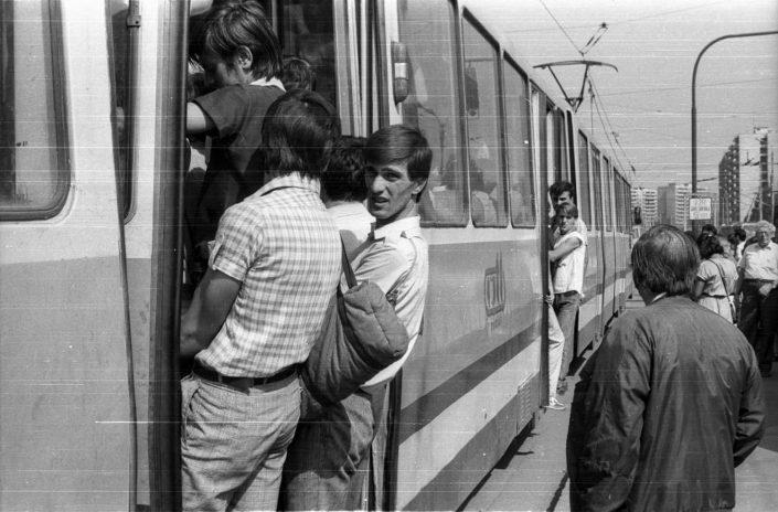 Imagine de arhivă_Brașov_Bulevardul Gării_1988_Fortepan_Donator tm_77517