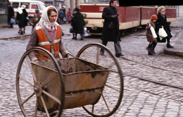 Imagine de arhiva_Bucuresti_1986_Fortepan_Urbán Tamás_46968